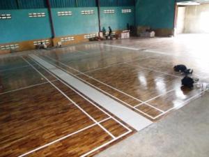 Berapa Biaya Pemasangan Lantai Kayu Untuk Lapangan Bulutangkis