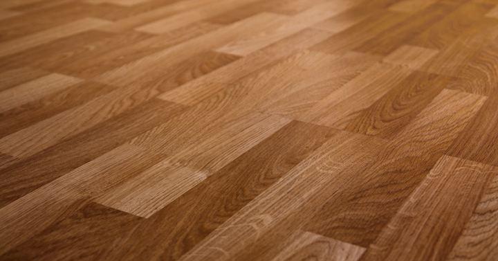lantai keramik bermotif kayu