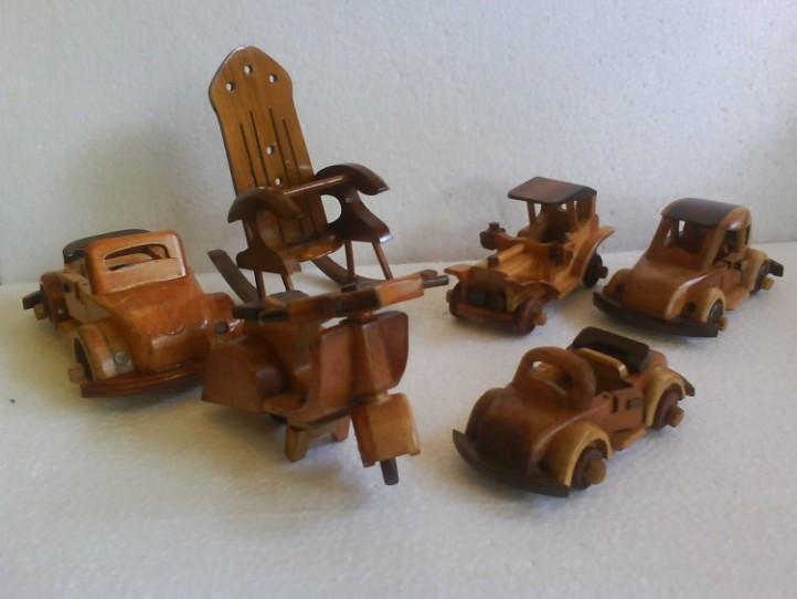 miniatur kayu